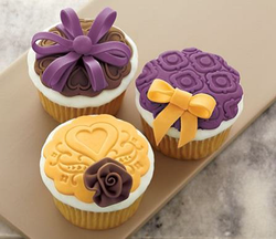 Fondant Cake Decorating Classes Michaels : NEW! Spectacular Fondant Cupcakes - Wilton Cake Decorating ...